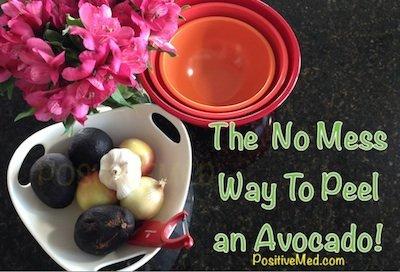 "The ""No Mess"" Way To Peel An Avocado"