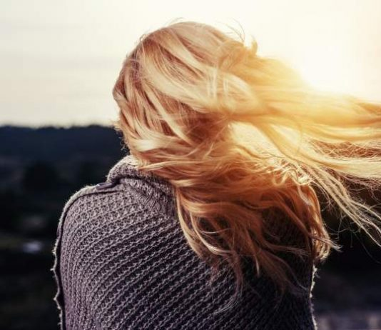 How To Treat Your Damaged Hair In The Right Way
