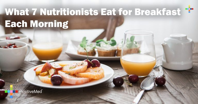 What 7 Nutritionists Eat for Breakfast Each Morning